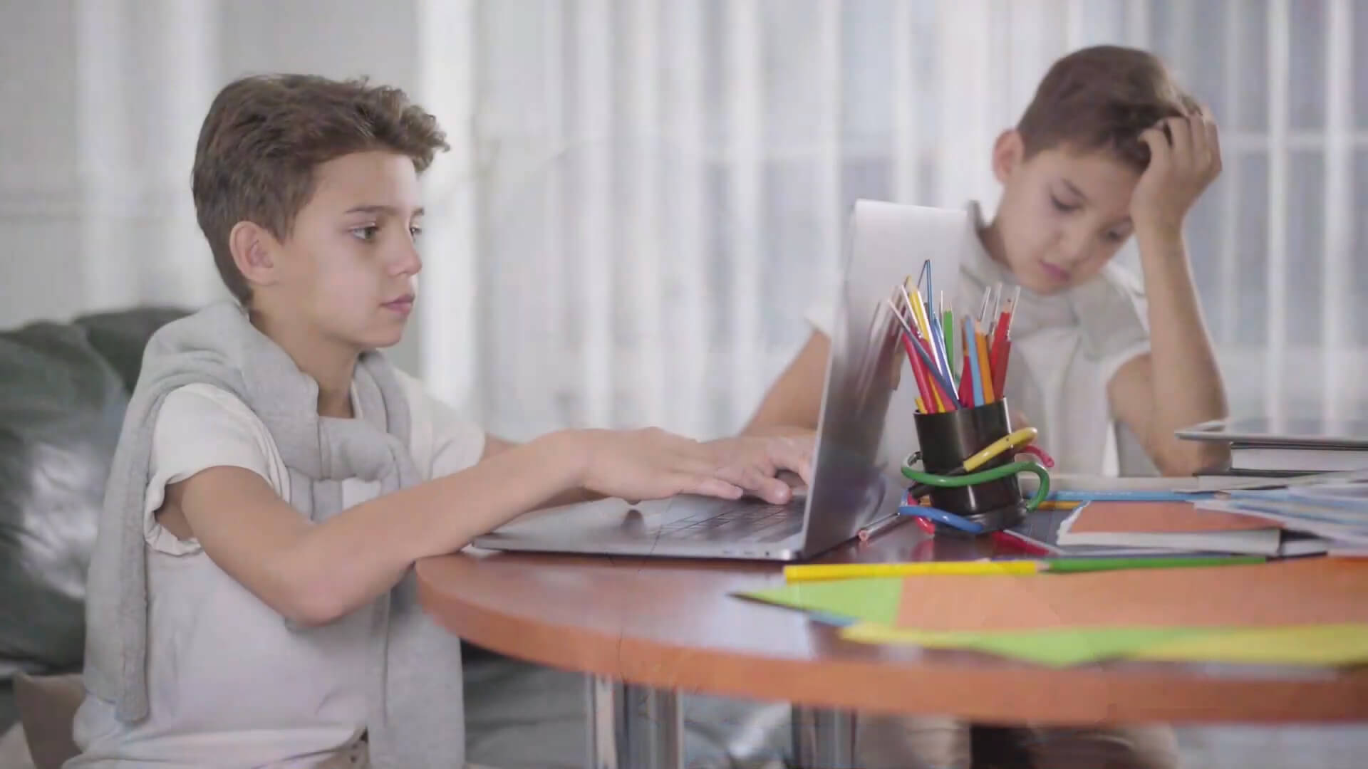 Using Touch Screens for Online Education